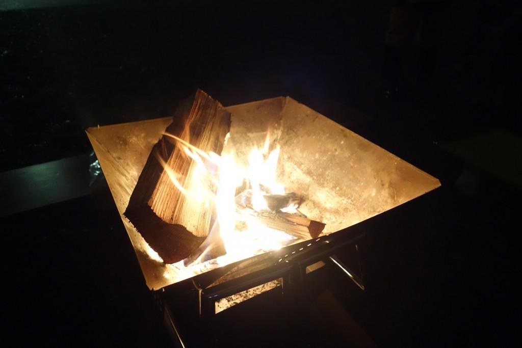 火って本能をくすぐるよね