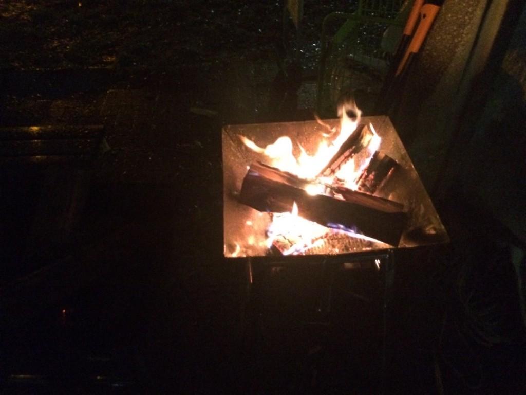 焚き火、暖かい
