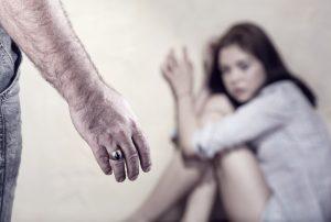 """避難所での「性暴力」を防ぐ。災害時に起きた""""人""""のトラブルと対策"""